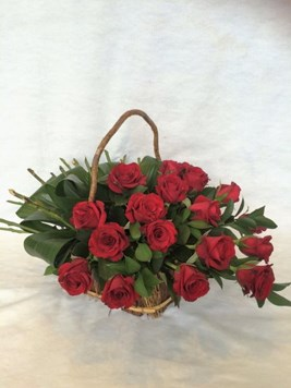 Arrangements: Red Rose Modern