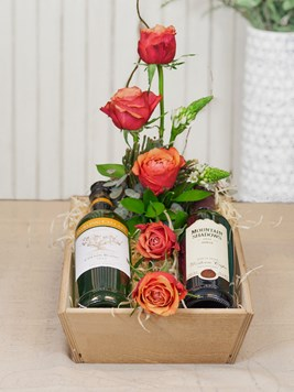 Snack & Gift Hampers: Flowers and Wine