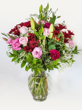 Arrangements: High Style Vase Arrangement