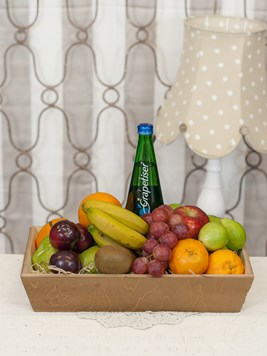 Snack & Gift Hampers: Fruit Hamper