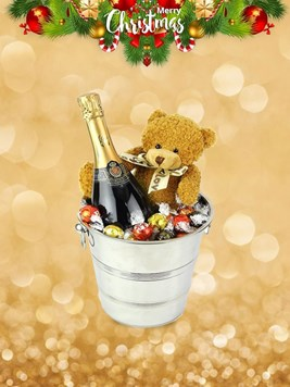 Snack & Gift Hampers: Perfect Gift Bucket