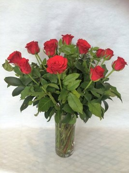 Arrangements: Red Roses in Vase
