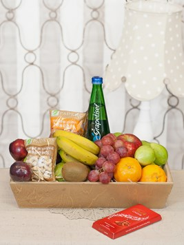 Snack & Gift Hampers: Seasonal Fruit