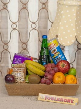 Snack & Gift Hampers: Fruit and Snacks