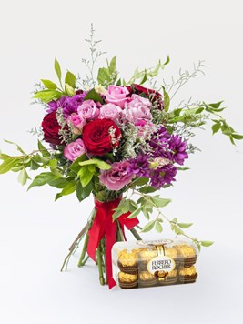 Bouquets: Pink Love with Ferrero Rocher
